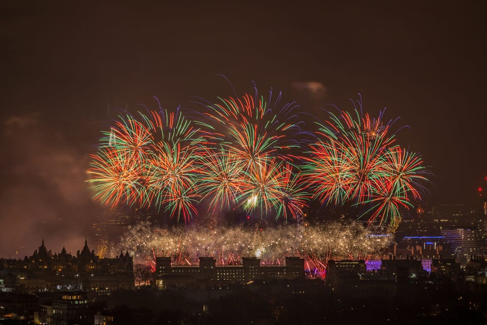 new-years-fireworks-1000x667